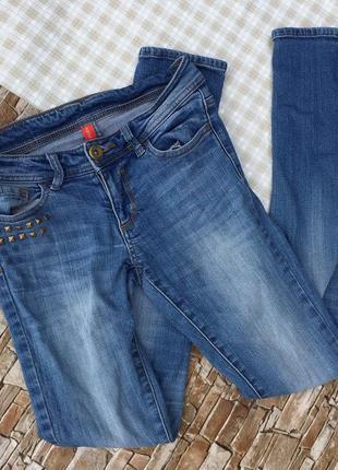 Повседневные джинсы-скинни