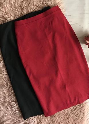 Красная трикотажная юбка по фигуре(l)