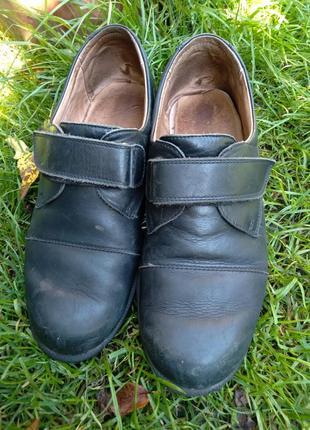 Шкільні шкіряні туфлі