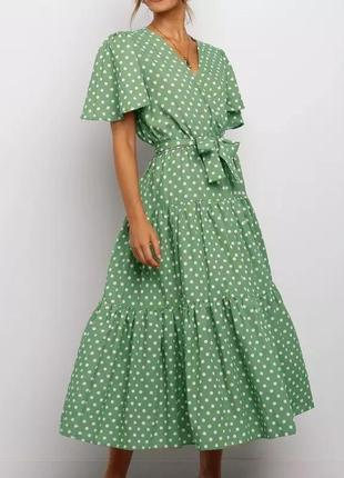 Очень красивое платье в горошек
