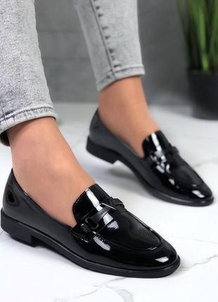 Новые женские лаковые  черные туфли лоферы