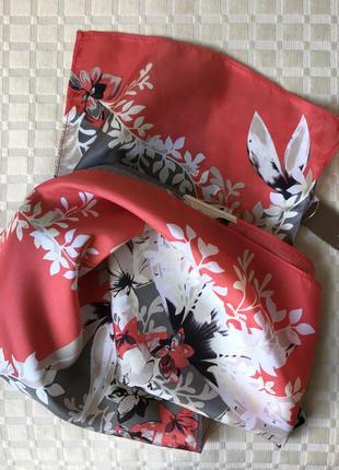 Шёлковый шарф в цветочный принт