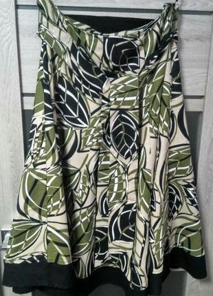 Красочная юбка с 6-тью клиньями , в листья, пояс р. 12/l, от marks&spencer