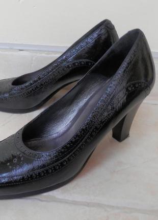 Туфли черный лак классика, италия.