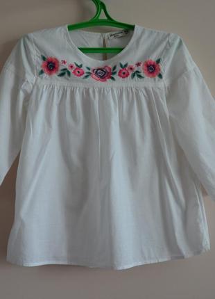 Белая хлопковая блуза с вышивкой