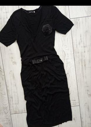Чёрное базовое платье миди