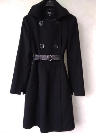 Элегантное чёрное шерстяное пальто с кашемиром