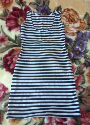 Летнее платье в полоску.