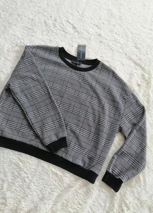 Оверсайз свитер укороченный