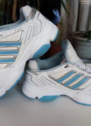 """Легкие и прочные кожаные кроссовки """"adidas""""!  38,5 р."""