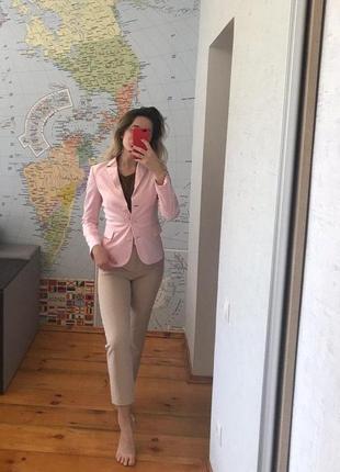 Пиджак розовый женский пудра united colors of benetton