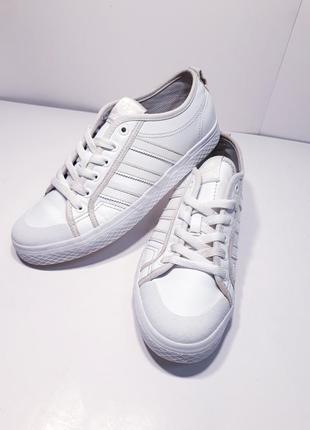Женские кроссовки adidas, р.40 (25 см.)