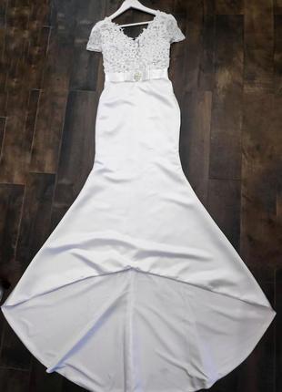 Шикарное свадебное платье рыбка со шлейфом. новое!