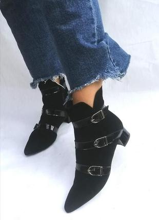 Ботинки ботильоны натуральная кожа пряжки острый носок