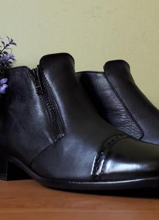 Стильные женские ботинки semler