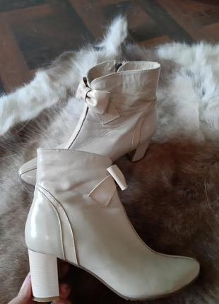 Ботинки на осень зиму кожание, сапоги чобітки ботильйони шкіра