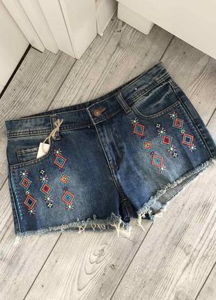 Шорти джинсові з вишивкою