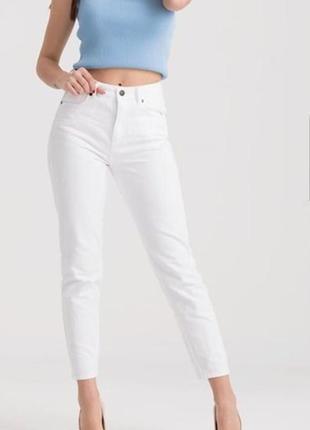 Укороченные джинсы брюки 38 размер м необработанный низ