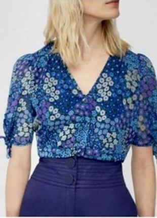 Очень красивая блуза в цветочек