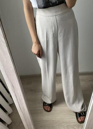 Молочные брюки палаццо zara