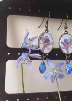 Весенние сережки ручной работы с настоящими цветами