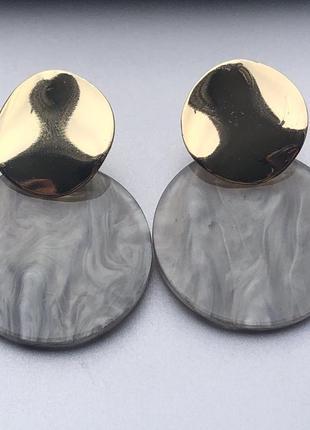 Серьги круги серый перламутр