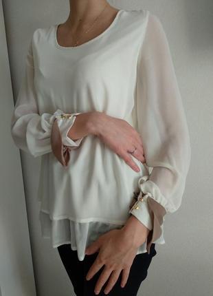 Базовая женская блузка рубашка молочная  с манжетами