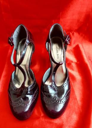Кожаные фиолетовые туфли