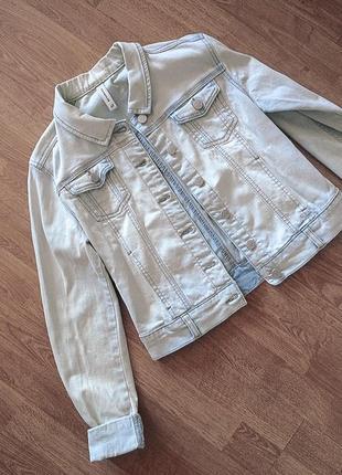 Светло-голубая джинсовка джинсовая куртка reserved