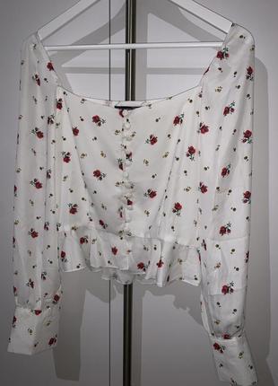 Блуза белая с цветами