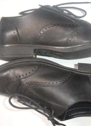 Фирменные clarks кожаные стильные туфли челси мальчику 34 размер идеал