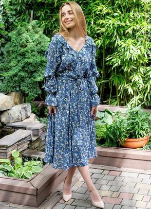 Нежное платье с рюшами