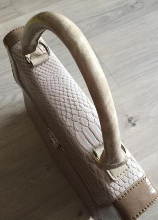 Трендовая сумка в принт крокодила от бренда wallis, новая