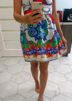 Красивое летнее платье s с пышной юбкой
