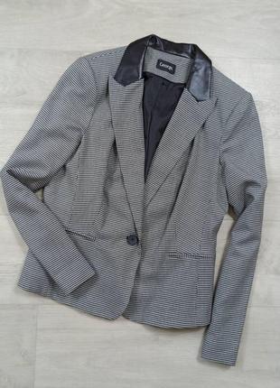 Пиджак в гусиную лапку