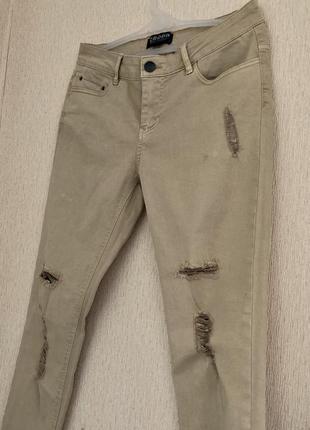 Летние бежевые рваные джинсы / s / хлопок