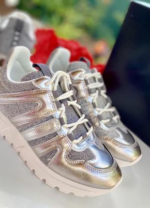 Кожаные кроссовки dkny