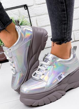 Новые шикарные женские серебристые кроссовки