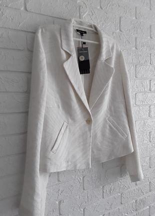 Симпатичный пиджак , жакет из льна со стильным принтом