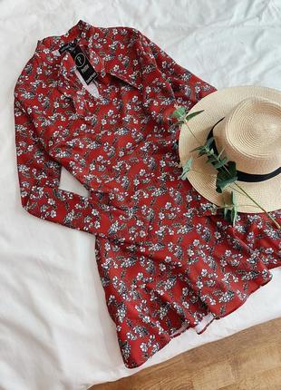 Платье в цветочек boohoo