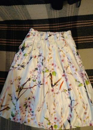 Классная юбка в цветочный принт