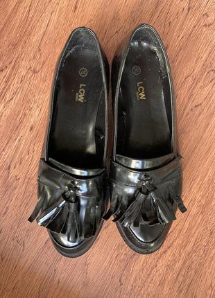 Балетки ,лаковые туфли