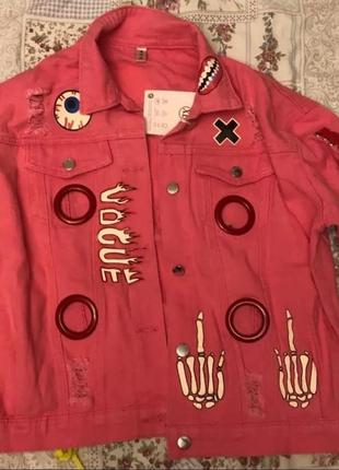 Женская джинсовая куртка с принтом