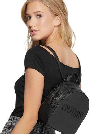 Черный рюкзак-трансформер кроссбоди guess