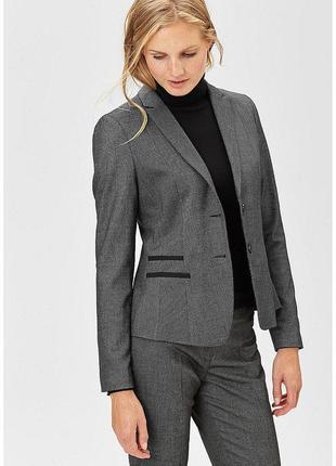 Элегантный женский пиджак s. oliver