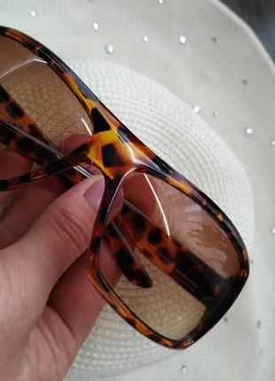 Очки солнцезащитные актуальные леопард, тм l'oreal