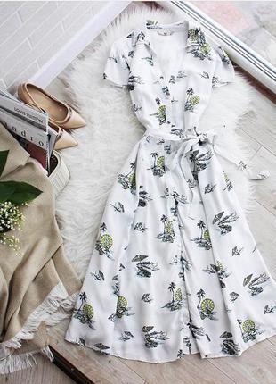 Стильное платье миди в принт