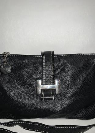 Кожаная актуальная сумочка на/ через плечо. стиль кросс боди