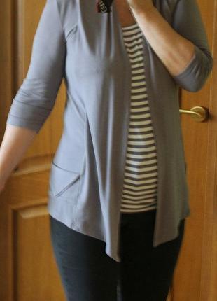 Туника блуза блузка кофта трикотажная с асимметричным низом серая полосатая в полоску