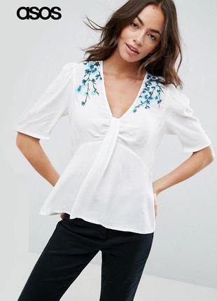 Новая белая футболка блуза с вышивкой asos